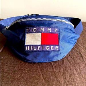 Tommy Hilfiger 1990's Vintage fanny pack